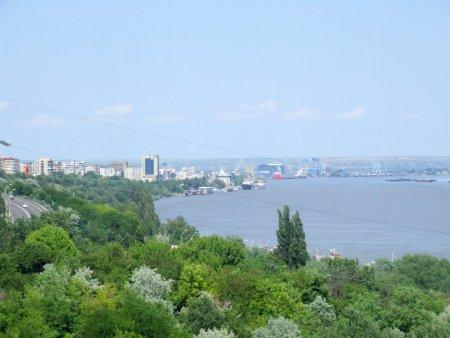 Dupa ce au abandonat atractiile turistice ale Dunarii, edilii Galatiului vor sa ispiteasca turistii cu parcuri de aventura