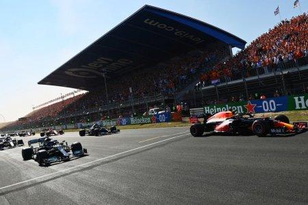 Marele Premiu al Olandei » Max Verstappen conduce pe circuitul de casa