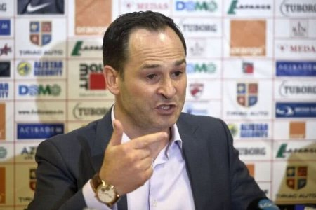 Ionut <span style='background:#EDF514'>NEGOIT</span>a, replica taioasa pentru Mircea Rednic: Cel mai stramb caracter, vreau sa vad cum va aduce bani pentru Dinamo
