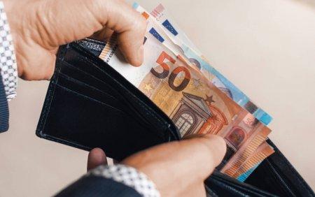 Spania va majora salariul minim pentru a reduce decalajul dintre saraci si bogati