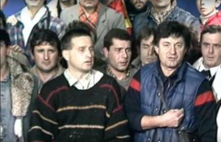 Mircea, fa-te ca lucrezi. Schimbul celebru de replici dintre Ion Caramitru si Mircea Dinescu, in direct la TVR, in timpul Revolutiei