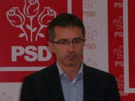 DRAGOS BENEA, PSD <span style='background:#EDF514'>BACAU</span>:  and #39; and #39;PNL si USR sunt burdusite cu politicieni carora le este indiferent pretul painii and #39; and #39;