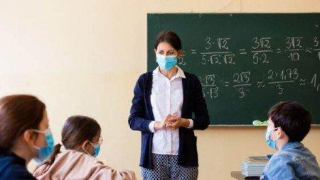 SORIN CIMPEANU:  and #39; and #39;Parintii au dreptul sa stie daca profesorii sunt vaccinati, in limitele GDPR and #39; and #39;