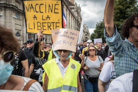 Studiu: diviziunile invizibile create de pandemia de COVID au polarizat Europa si vor avea efecte pentru multi ani