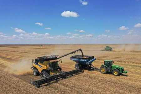<span style='background:#EDF514'>HOLDE</span> Agri Invest continua investitiile in noi ferme si silozuri de depozitare