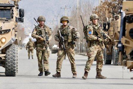 Un oficial britanic sustine ca veterani ai razboiului din Afganistan s-au sinucis, dupa retragerea britanica