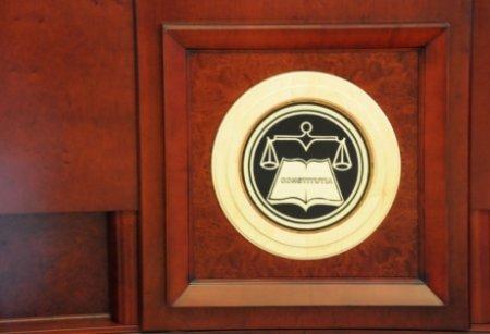 SURSE - Blocaj in Parlament: criza politica ar putea fi rezolvata la Curtea Constitutionala