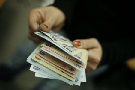 Criza politica baga leul in pamant. Euro decoleaza luni si atinge un nou maxim istoric fata de leu. BNR anunta un curs de 4,9475 lei/ euro