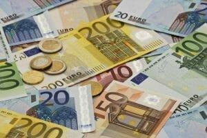 Moneda EURO, la maxim istoric