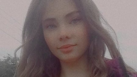 Fata de 14 ani, gasita spanzurata intr-o anexa a locuintei, in Botosani: Juca un joc pe internet in care i se cerea pana la sacrificiul suprem