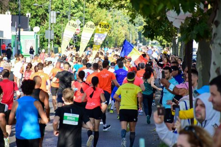 Povesti de succes la <span style='background:#EDF514'>OMV PETROM</span> Semimaraton Bucuresti 2021