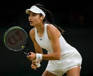 Cine este britanica Emma Raducanu, pustoaica-minune din lumea tenisului ajunsa in optimile US Open.