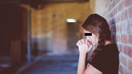 Noroc urias pentru o femeie cu frica de Dumnezeu. A gasit 10.000 de euro intr-o biserica, iar politistii i-au spus ca ii poate pastra
