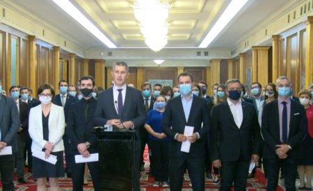 <span style='background:#EDF514'>BREAK</span>ING NEWS Ministrii USR PLUS au demisionat in bloc din Guvern