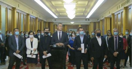 <span style='background:#EDF514'>BREAK</span>ING NEWS Ministrii USR PLUS si-au anuntat demisia