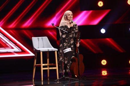 X Factor 2021, 6 septembrie. <span style='background:#EDF514'>MIRELA</span> Bogasieru a surprins juriul cu o interpretare inedita a piesei Blue Jeans