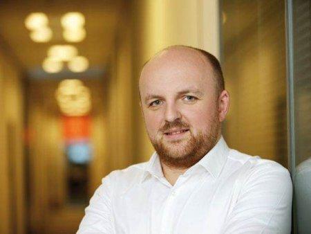 DE LA INCEPUTUL ACESTEI LUNI  Andrei <span style='background:#EDF514'>FRUNZA</span> este directorul general al Best Jobs