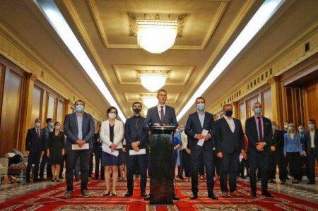 LA INCHIDEREA EDITIEI Ministrii USRPlus  au anuntat ca demisioneaza din Guvern