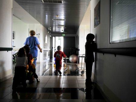 Peste 100 de copii sunt internati in spital cu COVID-19. Medic ATI: Era de asteptat