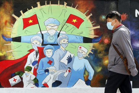 Un barbat din <span style='background:#EDF514'>VIETNAM</span>, condamnat la 5 ani de inchisoare pentru ca a raspandit COVID. Cate persoane a infectat