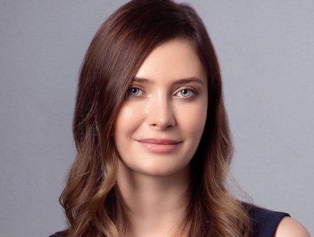 Alexandra Dines, Melinda Gates de Romania, pleaca de la conducerea <span style='background:#EDF514'>FUNDATIE</span>i UiPath. Vargha Moayed, directorul de strategie al UiPath, o inlocuieste