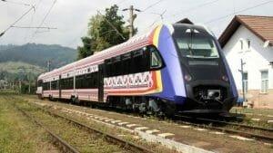 Trenul romanesc ce poate merge cu 120 km/h e gata de <span style='background:#EDF514'>OMOLOGARE</span>