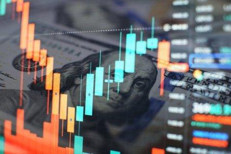 Unul dintre cei mai mari strategi de pe Wall Street avertizeaza: Septembrie va stabili un nou record pe bursa, insa luna viitoare ar putea fi marcata de o corectie de 10%