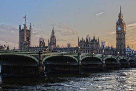 Londra vrea sa redevina principalul centru financiar global