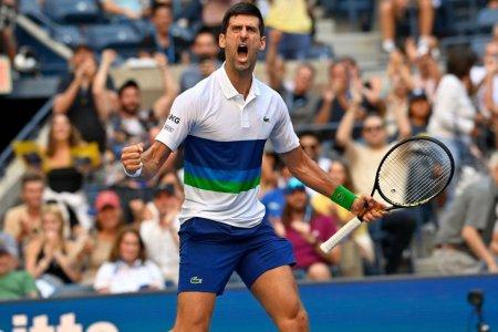Mai intai iti ia picioarele, apoi sufletul! » Novak <span style='background:#EDF514'>DJOKOVIC</span> pierde din nou set, dar e la 3 meciuri distanta sa faca istorie!