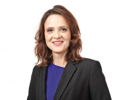 Silvia Dinica, presedintele Comisiei pentru industrii si servicii, Camera Deputatilor: Pregatirea fortei de munca este unul dintre instrumentele pentru a creste valoarea produselor industriale ale Romaniei si a scadea deficitul comercial