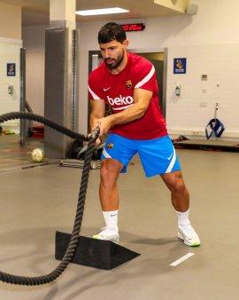 Aguero a refuzat tricoul purtat de Messi la Barcelona