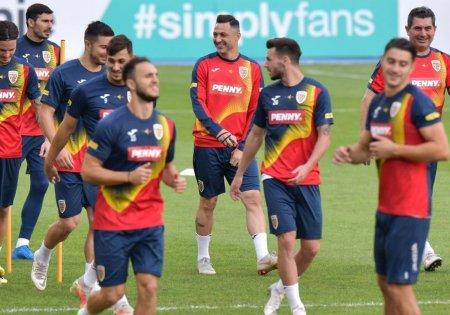 Antrenamentul oficial al Romaniei la Skopje, cu 17 jucatori » Radoi s-a bagat la joc + Ultimele detalii de la trimisii GSP