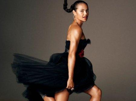 Emma Raducanu, asa cum nu ati mai vazut-o! Pictorial special in Vogue si detalii personale: Vreau sa-mi iau <span style='background:#EDF514'>PERMISUL</span> de motocicleta