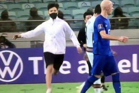 Momente inedite in Azerbaidjan - Portugalia: fanii au invadat terenul!