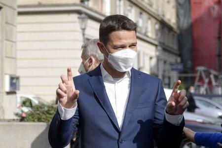 Robert Sighiartau: O decizie privind demisiile ministrilor USR PLUS se va lua miercuri