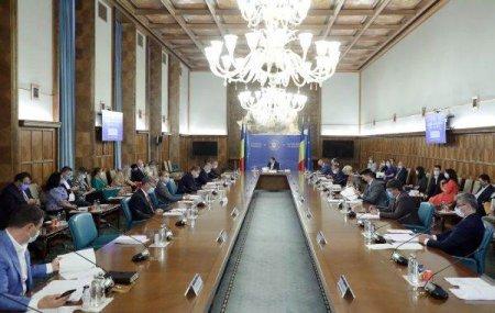 FARA MINISTRII USR-PLUS Guvernul a aprobat rectificarea bugetara
