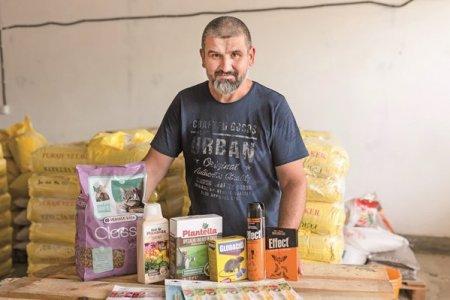 Afaceri de la zero. Familia Miclean din Arad a ajuns la afaceri de 650.000 de lei cu o firma de distributie de furaje si nutreturi. Din 2021, businessul este prezent si in online