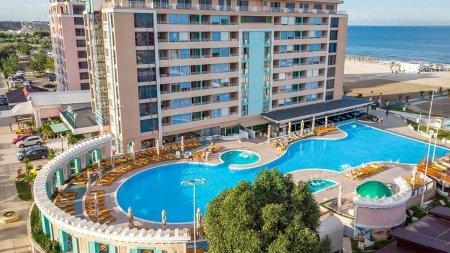 Incendiu puternic la hotelul <span style='background:#EDF514'>PHOENICIA</span> Luxury din Mamaia