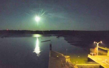 Imagini spectaculoase. Locul in care un meteorit impresionant a transformat noaptea in zi