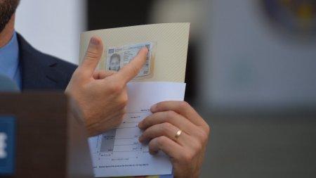 Premiera in Romania. Primele carti de identitate electronice, eliberate la Cluj-Napoca