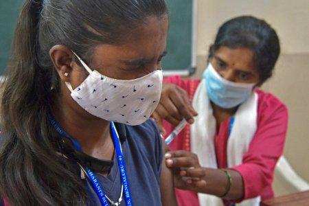 India inregistreaza un nou record de vaccinare: 100 de milioane de doze in doar 13 zile