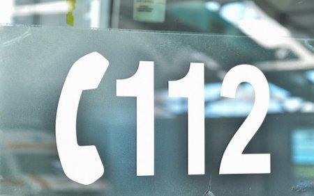 Un <span style='background:#EDF514'>AUTOCAR</span> a intrat in altul oprit, in Bucuresti: Zece persoane sunt ranite
