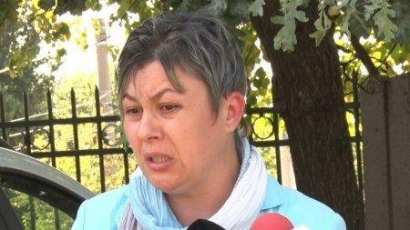 Pacienta bolnava de cancer refuzata la Spitalul de Urgenta din Galati. Femeia merge 10 ore cu <span style='background:#EDF514'>TRENUL</span> pentru retete si concediu medical