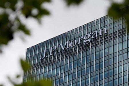 JPMorgan, cea mai puternica banca din America, va cumpara un pachet majoritar in cadrul diviziei de plati a <span style='background:#EDF514'>VOLKSWAGEN</span>
