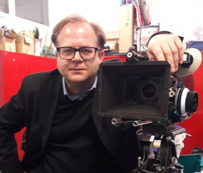 Regizorul Rafael Kapelinski: Cand vezi filme acasa e ca si cum ai manca <span style='background:#EDF514'>DULCIU</span>ri. La cinema cauti Sfantul Graal