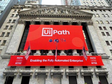 eToro: UiPath, liderul unei piete care se aglomereaza