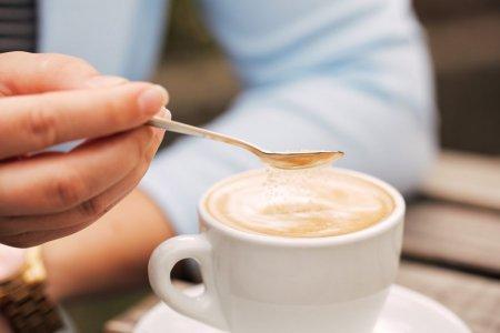 Sarea in cafea. Secretul din spatele obiceiului ciudat