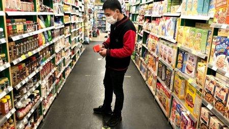 O noua alerta in supermarketurile din Romania. Ingredient cancerigen, gasit intr-o bautura preferata de multi romani