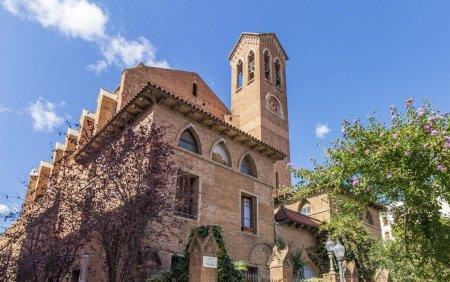 Un episcop din Spania a demisionat dupa ce s-a indragostit de o scriitoare de fictiuni erotice