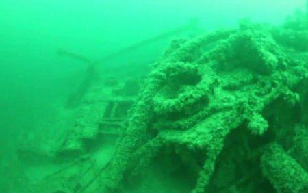 E<span style='background:#EDF514'>PAVEL</span>e a trei corabii foarte vechi au fost descoperite in largul Marii Negre
